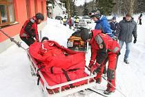 Záchranáři horské služby na Telnici evidují od začátku lyžařské sezony patnáct úrazů. Většinou se jedná o poranění kloubů. Nejedná se jen o lyžaře z Ústí, ale také o německé turisty.
