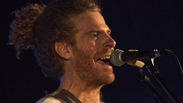 Gerald Clark, zpěvák a kytarista, hvězda z jižní Afriky.