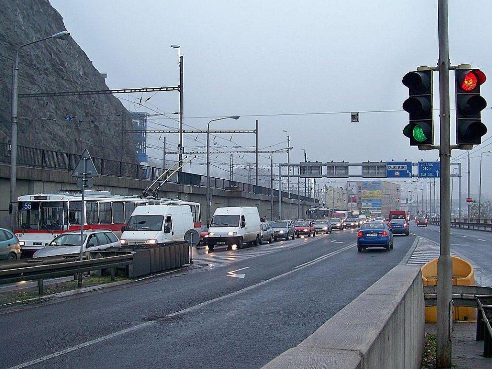 Dopravní kolaps v Přístavní ulici. Ilustrační foto.