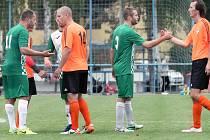 Fotbalisté Libouchce (v zeleném) vyhráli v Mojžíři vysoko 4:1. Foto: Deník/Rudolf Hoffmann
