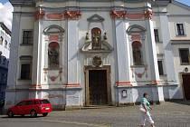 Zloději kovů nemají úctu ani před památkami. Kradou měď i z kostela sv. Vojtěcha.