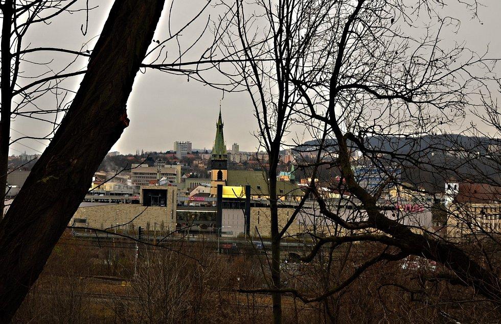 Nejen slečny z Prahy chválily naše kopečky a zámeček Větruše.
