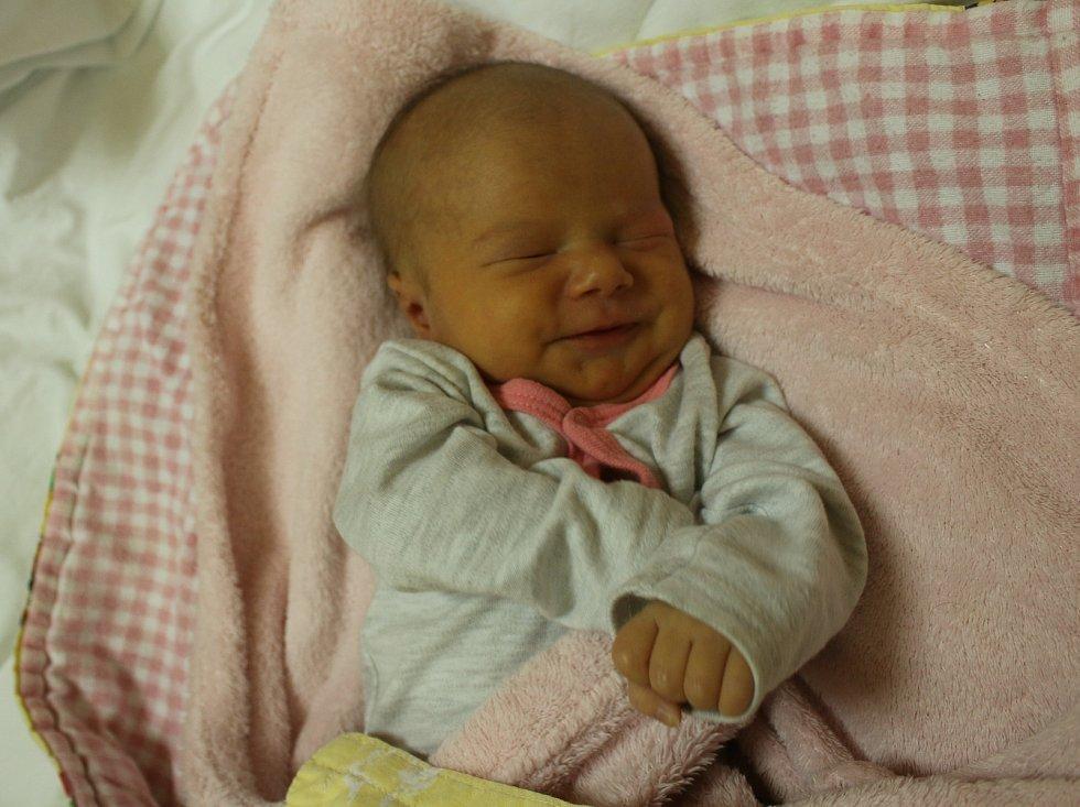 Madlen Zamazalová se narodila Blance Zamazalové z Blíževedel 8. listopadu v 9.14 hod. v roudnické porodnici. Měřila 49 cm a vážila 2,72 kg