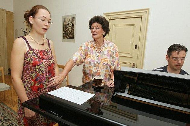 V Ústí nad Labem probíhal mezinárodní pěvecký kurz, který vedla slavná pěvkyně Eva Randová.