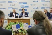 Moderovaná diskuze setkání s hejtmanem Oldřichem Bubeníčkem