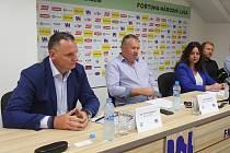 Tisková konference představitelů města a fotbalového klubu FK Ústí k finanční situaci v klubu
