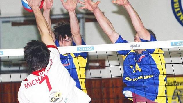 Volejbalistům SKV Ústí zbývá odehrát ještě pět utkání základní části soutěže, pak přijde na řadu play off. Ve čtvrtek se svěřenci Miroslava Malána představí v souboji s Brnem.