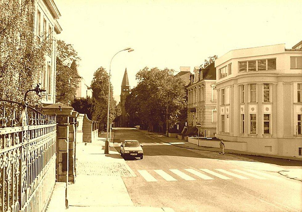 2000: Churchillova ulice, dříve Bismarckova.