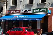 Problémy s hygieniky měli počátkem srpna v rychlém občerstvení Kebab Bella Italia na Masarykově ulici.