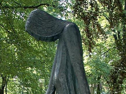 Nové umístění sochy je podle Ústečanů nevhodné