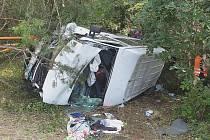 Tým kapely Mirai měl v neděli autonehodu.