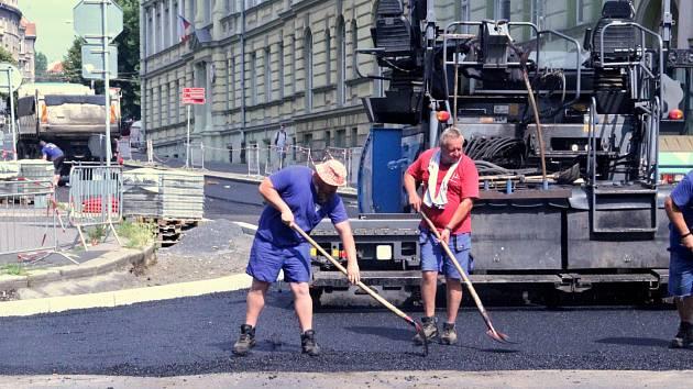 Oprava Moskevské ulice v Ústí finišuje