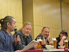 Členové skupiny Kabát na talk show Antonína Moravce.