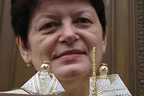 Helena Svatková se svými výrobky.