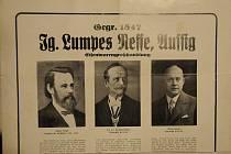 Vpravo je zakladatel podniku, uprostřed je zakladatel Lumpe parku a vlevo je následník zakladatele parku.