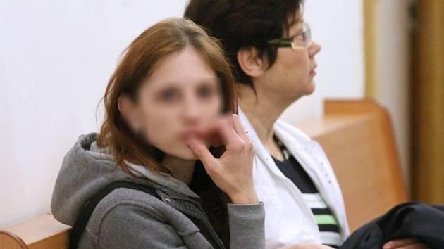 Ústecký krajský soud poslal na pět let do vězení Magdalenu Paškovou, podle rozsudku způsobila smrt svého osmiměsíčního syna.