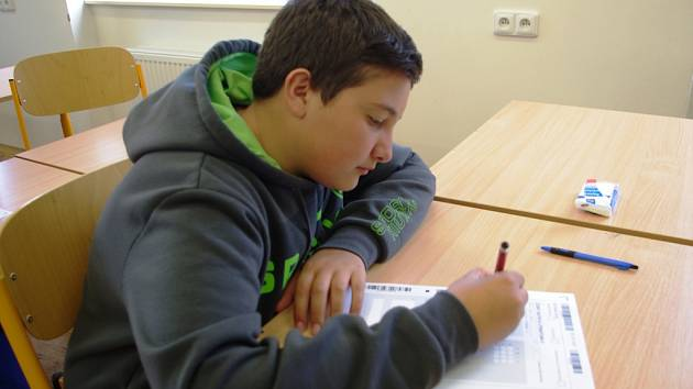 Pro většinu zájemců o studium na středních školách byl 15. duben dnem přijímacích zkoušek. Ve Střední průmyslové škole Resslova v Ústí nad Labem se jich zúčastnili hlavně chlapci.