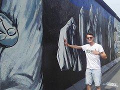 Populární East Side galerie – více než kilometr dlouhý zbytek Berlínské zdi.