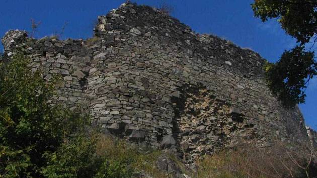 Potřeba mnohamilionové investice do zříceniny hradu Blansko, bývalého rodového sídla Vartemberků, je zřejmá na první pohled