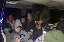 Dodávka havarovala u Petrovic, byli v ní migranti ze Sýrie