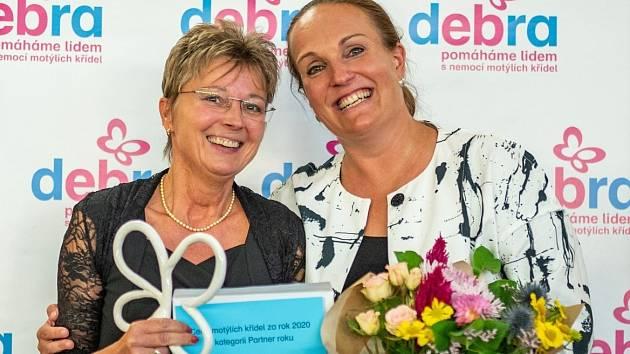 Ocenění Partner roku 2020 získala u příležitosti oslav 20. výročí založení EB Centra v Brně ústecká firma Malfini od společnosti Debra za skvělou spolupráci nejen v projektu Nadotek.