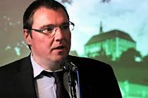 Miroslav Singer – guvernér České národní banky.