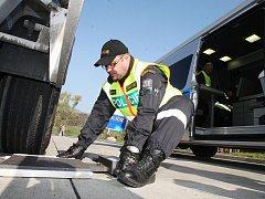 Policisté po celém Ústeckém kraji kontrolovali nákladní automobily.