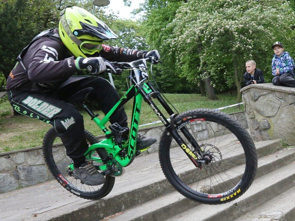 Finále sjezdu na horských kolech se konalo v sobotu odpoledne.