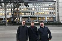 V Curychu nechyběl ani neurochirurg Sameš (uprostřed), kongresu dominovaly bypassy mozku