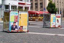 Výstava je umístěná na Mírovém náměstí.