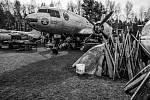 Letadlo IL-14 v muzeu ve Zruči u Plzně. Snímek je z knihy Vladimíra Cettla Vraky letadel studené války.
