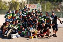 Mladí hokejbalisté Elby DDM jsou mistry republiky.