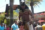 Zdenka Burešová z Údlic v kalifornském Disneylandu. Zábavný park leží v Anaheimu asi 45 minut od centra L.A.