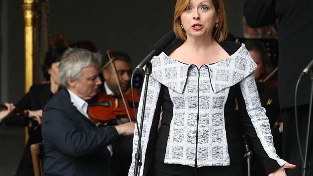 Promenádní koncert orchestru Severočeského divadla opery a baletu.