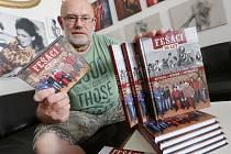Fotograf Petr Berounský vydává knihu o kapele Fešáci.