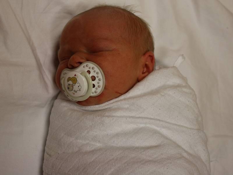 Dominik Bečka se narodil v ústecké porodnici 12. 2. 2017(3.43) Kláře Šiklové. Měřil 51 cm, vážil 3,72 kg.