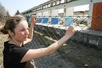 Petra Vaněčková (na snímku) v rekreačním areálu mívala spolu s manželem  pronajatou budovu restaurace. Dnes je stavem areálu šokována.