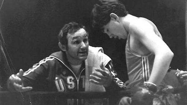 Bohumil Němeček st. jako trenér SKP Ústí n. L. spolu se svým synem.
