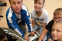 Vzákladní škole ve Velkém Březně třídí baterie a chrání tím přírodu