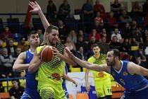 Basketbalový zápas mezi Ústím a Opavou