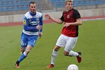 Ústečtí fotbalisté (modro-bílí) doma porazili Prostějov 3:0.