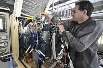 Podnik firmy Tedom kogenerační jednotky na výrobu elektřiny a tepla vyrábí v Třebíči. Společnost patří k předním světovým výrobcům kogeneračních jednotek.