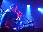 Výborný koncert odehrál kvartet Tata Bojs v klubu Doma.