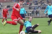 Fotbalisté Neštěmic se mohli v podzimní části spoléhat na svého nejlepšího střelce Lukáše Kroka (s míčem), který dal v patnácti duelech čtrnáct gólů.