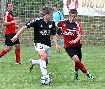 předkolo MOL Cup, Brná-Zbuzany, 16.7.2017Lička vs. Rakishtenliev (v červenočerném)(foto: Deník/Rudolf Hoffmann)