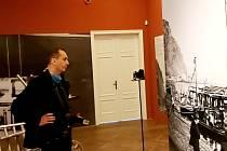Výstava historických fotografií Rudolfa Jenatschkeho a exponátů