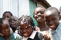 Sdružení ShineBean pomáhá chudým v Keni.