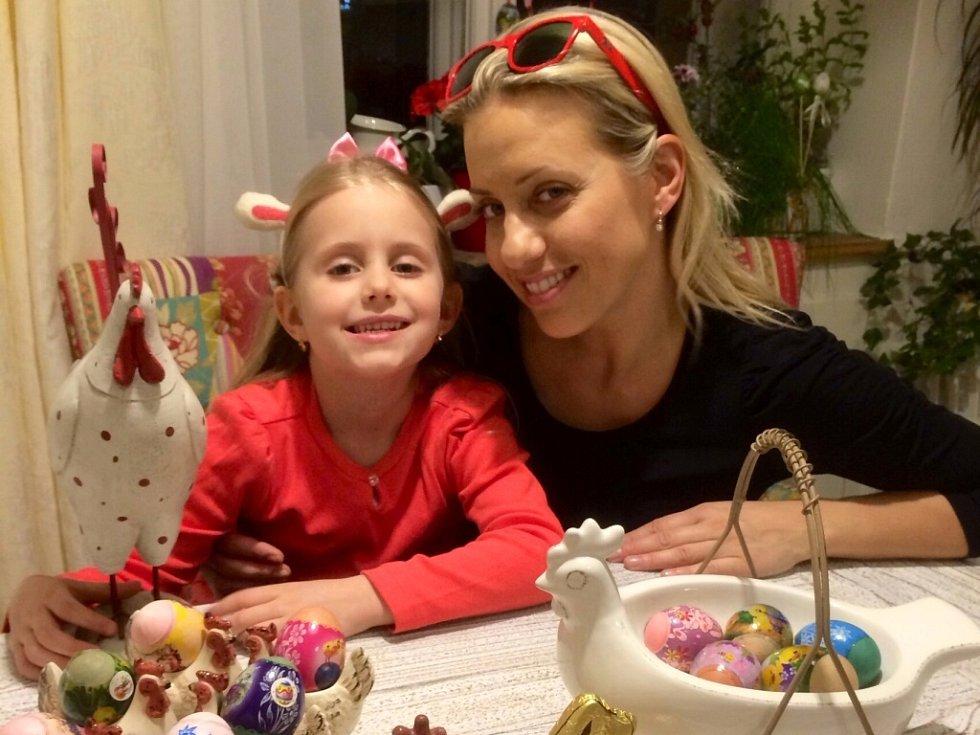 Tereza Mátlová s dcerkou Emilkou.