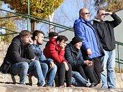Fotbalisté Neštěmic (v červeném) doma v posledním podzimním kole porazili Českou Kamenici 3:1. Foto: Deník/Rudolf Hoffmann