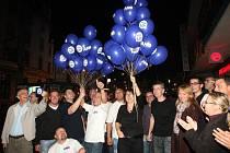 Oslavy hnutí ANO 2011 v Ústí po komunálních volbách. Tehdy byli ještě jednotní.